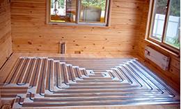 Теплый пол в деревянном доме: варианты, советы, укладка.